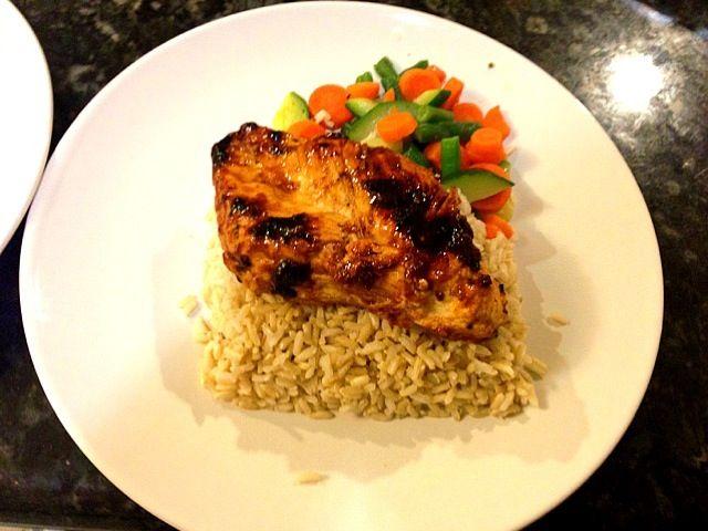 レシピとお料理がひらめくSnapDish - 4件のもぐもぐ - Hawaiian pineapple chili chicken  with brown rice and steamed vegetable blend by liz