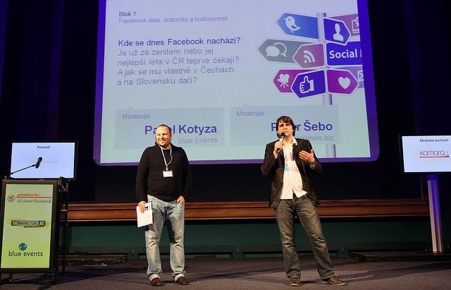 Celý konferenční den moderovali Pavel Kotyza, Blue Events a Peter Šebo, TheMarketers.biz