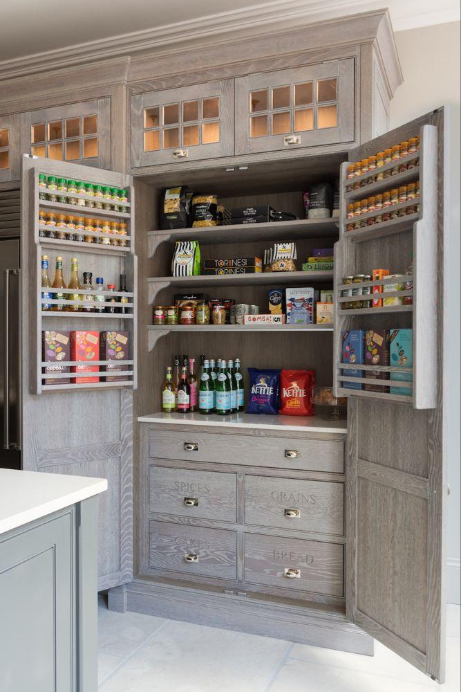 In Good Taste Humphrey Munson Handmade Kitchens Design Chic Kitchen Decor Inspiration Pantry Design Kitchen Design Small