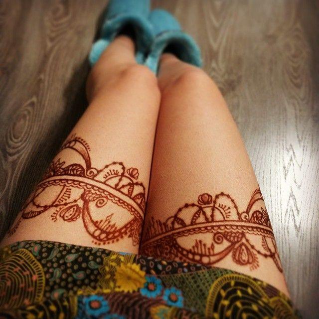Пошалила хной с темно-коричневым красителем;) #ljubljana #ljubljanart #mendi #mehndi #mehendi #mehandi #henna #kiev #менди #мехенди #хна #росписьхной #искусство #бодиарт #биотату #временноетату #киев #украина #индия #подвязка