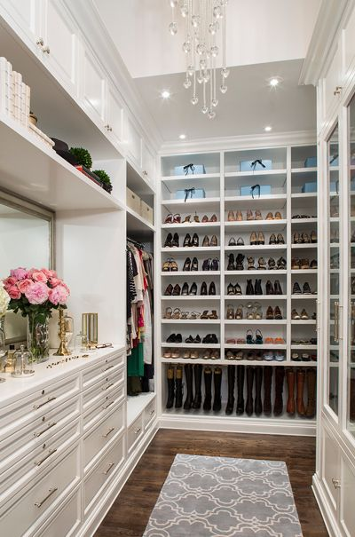 Stunning way to set up your closet or walk-in-robe. Looking for:  walk-in-robe, closet ideas, chandelier, luxury cabinetry. Carmen Darwin for  Evolution House