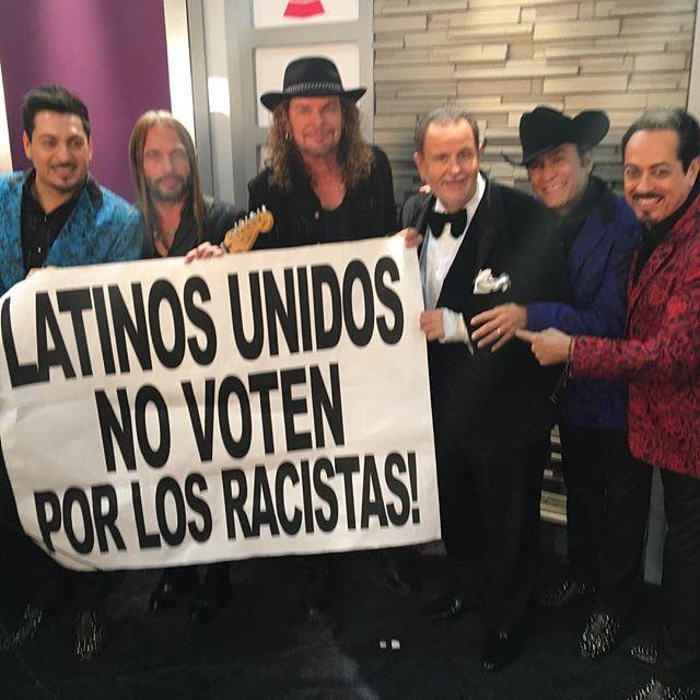 Los aman por siempre expresarse sobre los problemas políticos que afectan a los inmigrantes @lostigresdelnorte @manaoficial #LatinGrammy