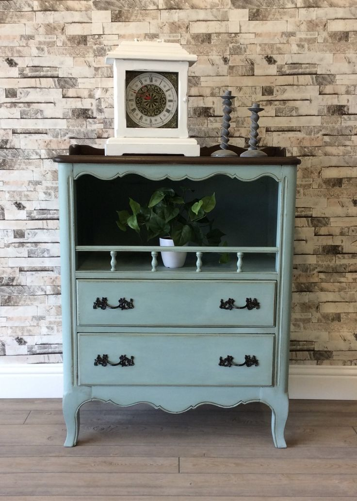 Drexel vintage buffet refinished with layers of ASCP duck egg blue, chateau gray, and dark wax.  Top redone with GF antique walnut gel stain.  #relovedrubble #buffet #entryway #dresser #chest #chalkpaint #refinished #duckeggblue #anniesloan #generalfinishes #gelstain #antiquewalnut #upcycle #vintage #drexel #twotone #sideboard #chateaugray #paintedfurniture #furnitureflip