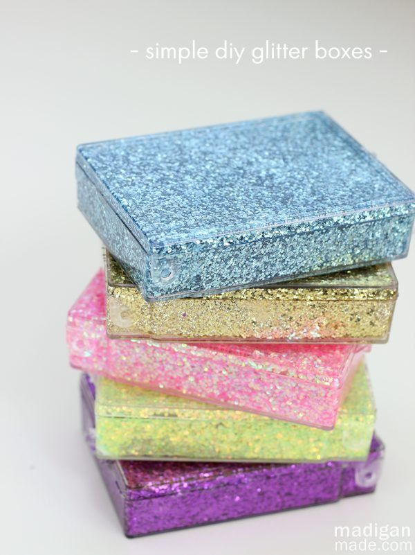 So simple! Easy diy glitter storage boxes  (could be used for gift cards, too!)