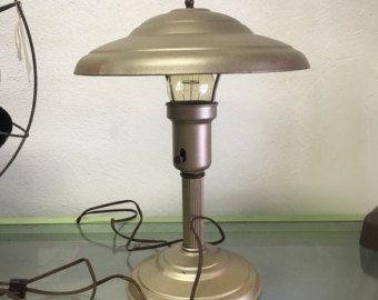 Lámpara de escritorio industrial acabado por MartyBelkDesigns