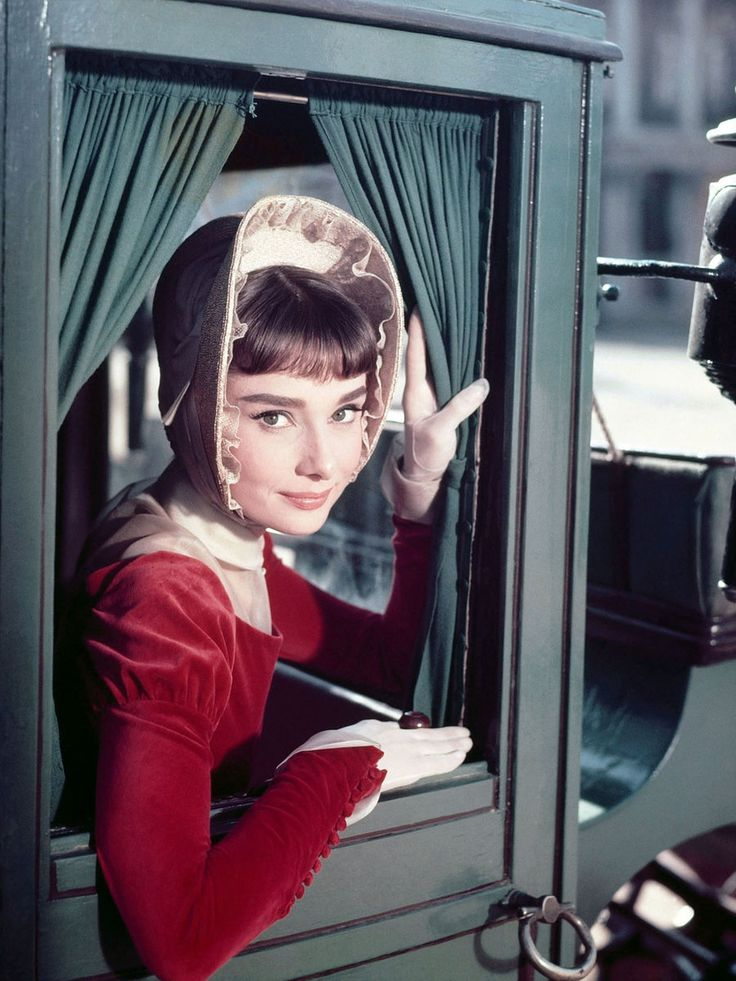 【ELLE】「戦争と平和」|本日命日。オードリーの女優人生を名シーンとともにプレイバック|エル・オンライン
