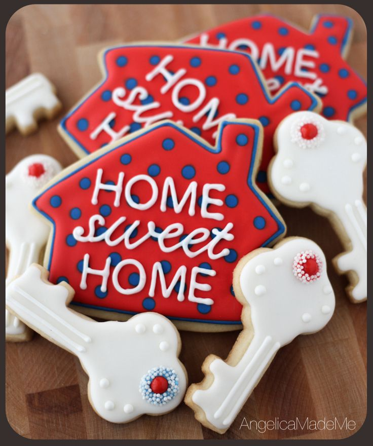 Housewarming Party Idea : Housewarming Cookies. House and key shaped sugar cookies decorated with red, white and blue royal icing make for a pretty and bold look.