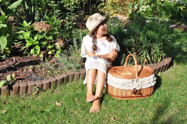 https://www.etsy.com/listing/267734392/willow-picnic-basket-romantic-basket?ref=shop_home_active_1