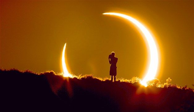 Albuquerque: Pictures Travel, Photographers Colleen, Eclipse Photo, Colleen Pinski, Awesome Work, Moon Sun Planets, 1 5 Miles, Unique Eclipse, Solar Eclipse