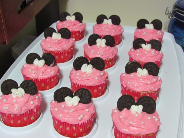 We made Minnie Mouse cup cakes for Lily's first birthday party. mini Oreo's, sugar pearls for our polka dots and mini marshmallows shaped into bows!