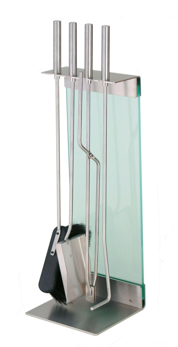 Zestaw Teras zaprojektowany przez Sebastiana Davida Büschera zawdzięcza swoją lekkość połączeniu metalu i szkła