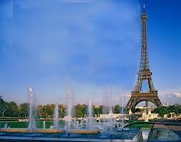 me gustari  conocer paris por su torre eiffel
