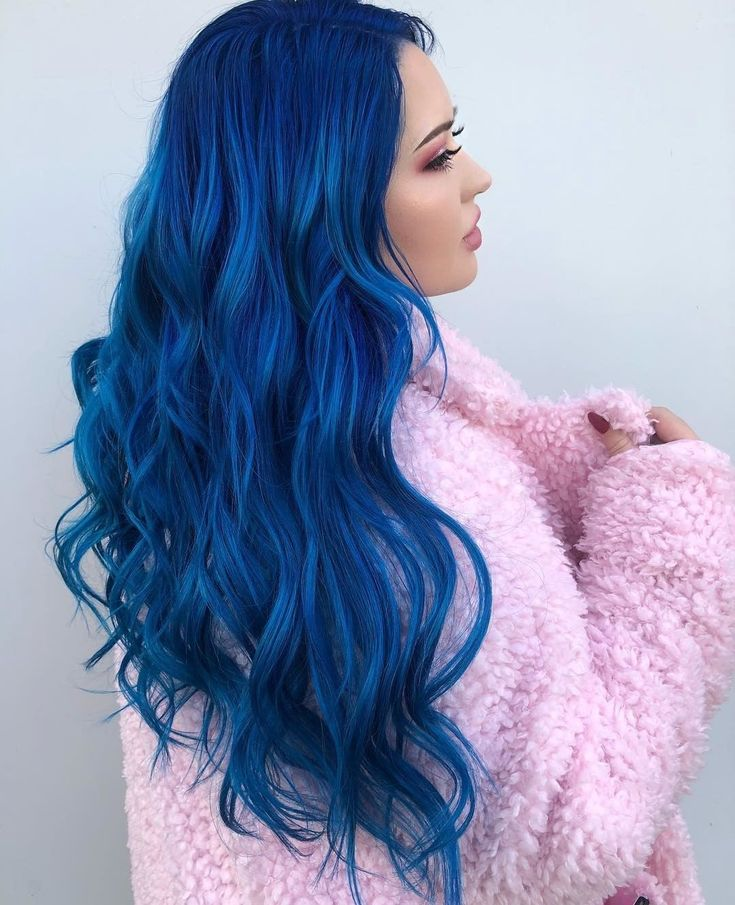 Stand out in a sea of color! 🌊 @amburgerofhair colors her client @looksbylexington's hair the truest of blues with Poseidon! 🦋💎 #AFProTip:…