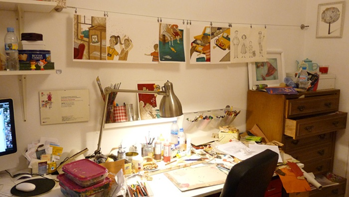 Work desk from illustrator artist Betania Zacarias