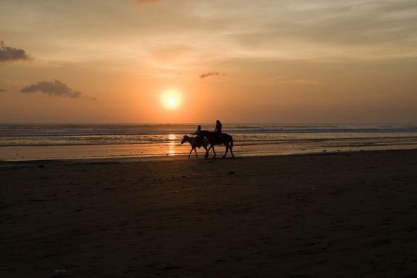 Bali, IndonesiaHorseback Riding, Indonesia Travel, Bali Sunsets, Cute Ideas, Horse Riding, Art Bali, Popular Pins, Riding Horses, Bali Indonesia