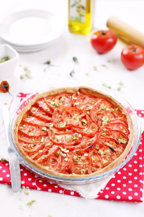 Tarte aux tomates, au thon et à la moutarde via http://cuisiner.avecnico.com