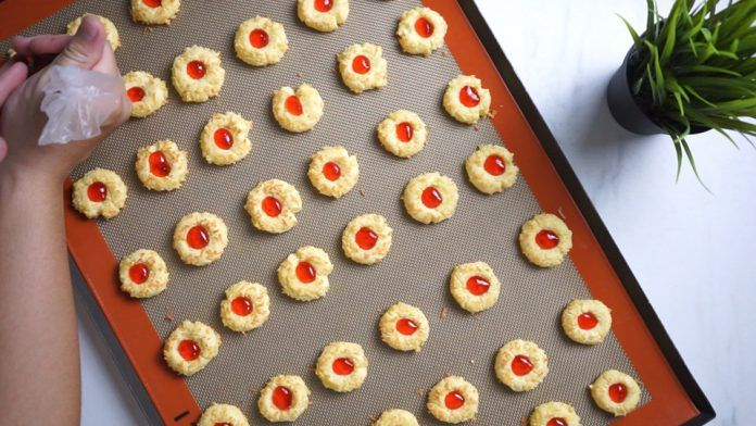 Resep Dan Cara Membuat Strawberry Thumbprint Cookies By Hendraacen Resep Kue Kering Stroberi Selai Stroberi