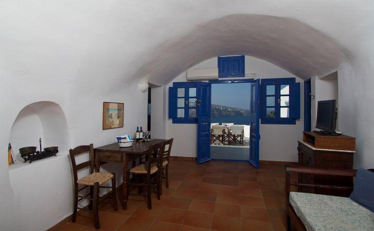 Esperas Traditional houses in #Oia, #Santorini