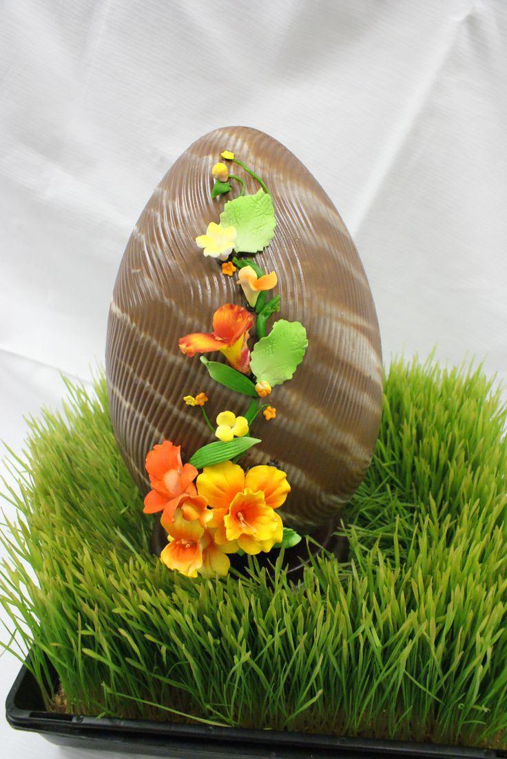 LARGE CHOCOLATE EGGS