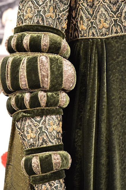 """closeup of Angelica Huston's costume in """"Ever After"""" [2nd of two pins]"""