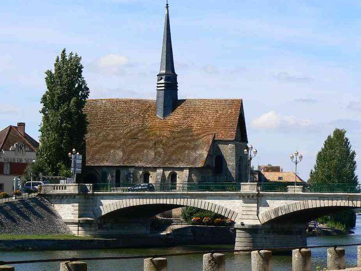 Le Pont d'Yonne et l'église Saint-Maurice à Sens - Région de Sens - Yonne