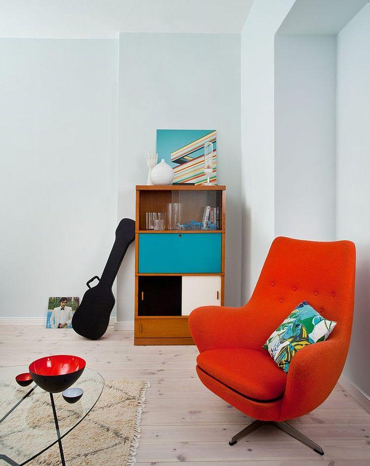 #orange + #turquoise living room / Vintage Loft by Berliner Dependance / for more inspiration visit http://pinterest.com/franpestel/boards/