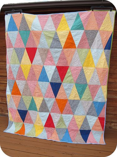 simple but effective - Isoceles triangle quilt from sewtakeahike