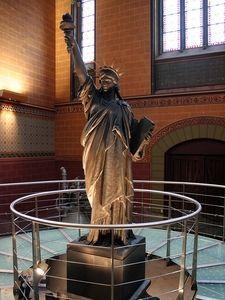 Musée des Arts et Métiers de Paris. Statue originale d'Auguste Bartholdi