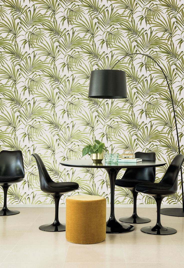KWAI by Zoom // Phayao Greenery [KWA105] // Phayao plays with shadow and light to create movement and depth in each leaf bringing the wallcovering alive. // #masureel #zoom #kwai #wallpaper #wallcovering #design #interior #interiordecor #decorating #decoration #interiorideas #interiorinspiration