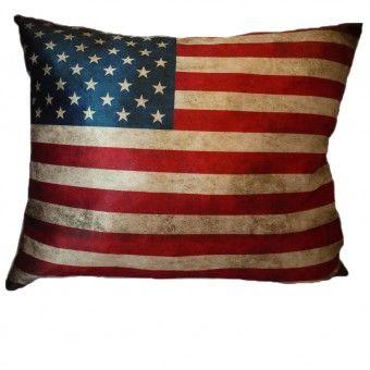 Бархатная подушка Американский флаг. Размер 40х50см. Наполнитель искусственный лебяжий пух. Подушка очень мягкая и нежная l Velvet cushion with American flag #подушка #бархатнаяподушка #интерьер #текстиль #предметыинтерьера #myatashop