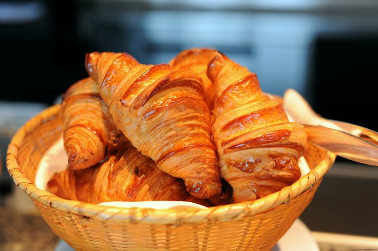 #Boulangerie #croissants. One of the stops in our #Montmartre #Gourmet #Tour this Saturday!  #Discover this lovely #quartier of #Paris by heart & stomach!  For more details & registration: http://www.meetmeout.fr/events/save-the-date-first-ever-montmartre-gourmet-tour  #FoodTour #FranceTaste #cultural #expats #events #MeetUp #MeetMeOut #Gourmand #Chocolats #Chocolates