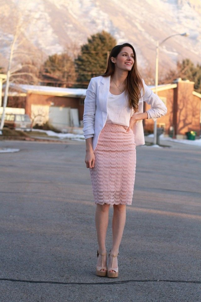 DIY: lace skirt with sheer and metal zipper