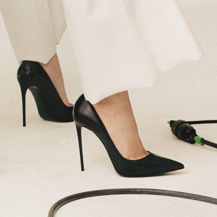 Le Silla Pump in Minerva, black semi-polished calfskin   Buy ➜ https://shoespost.com/le-silla-pump-minerva-black-semi-polished-calfskin/