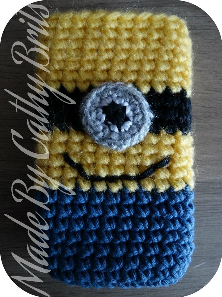 Cell phone cover Minion #crochet