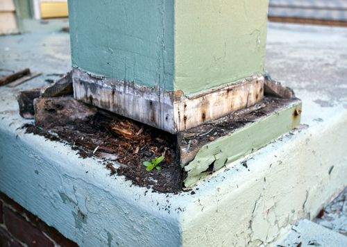 Verandah post with termite damage - Byron Bay Pest Control