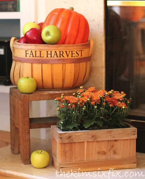 Autumn Harvest Mantel via www.TheKimSixFix.com