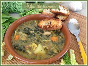 La Ribollita toscana è una tipica zuppa della cucina Toscana. E' a base di verdure e insaporita con delle croccanti fette di pane tostato. E' l'ideale nell