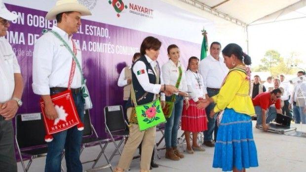 No se ayudará a familias indígenas con más de 3 hijos: Rosario Robles