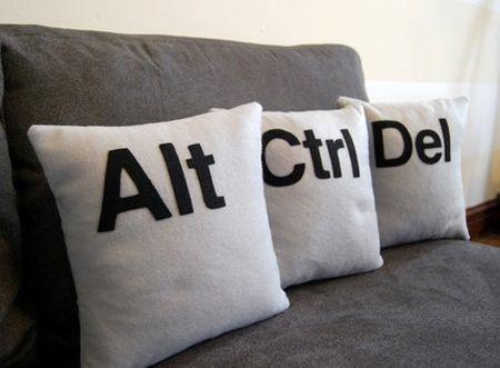 CTRL ALT DEL Pillows very DIY able: Idea, Alt, Cushions, The Offices, Throw Pillows, Pillows Sets, Men Caves, Home Offices, Ctrl Alt