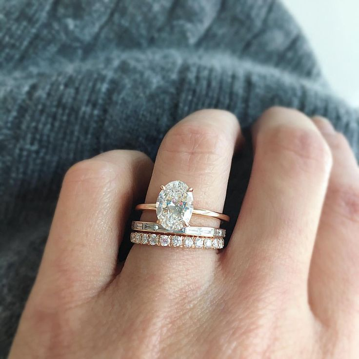All the FEELS ✨ Our Aura oval diamond ring in rose gold will keep you warm and cozy with its brilliance. (Shop link in bio for pricing and details on this ring stack.) Tag your girls!