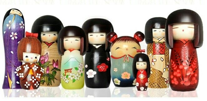 LeKokeshi(こけしkokeshi?)sono un tipo dibamboletradizionaligiapponesi, originarie dellaregione di Tōhoku. Realizzate manualmente inlegno, hanno un busto semplice cilindrico e una larga testa sferica, con poche linee stilizzate a definire i caratteri del viso. Una caratteristica delle bambole Kokeshi è la mancanza di braccia e gambe.  All'inizio delNovecentodivennero talmente famose, che inRussiafurono prese a modello dall'inventore della primamatrioska. Oltre a ornare le case…