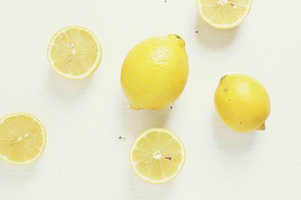 Limonu Bozulmadan Nasıl Saklayabilirsiniz? Öğrenmek için Tıklayın! #pratikbilgiler #püfnoktaları #hayatkolay #püfnoktası #faydalıbilgiler
