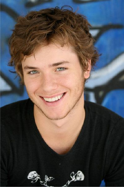 Jeremy Sumpter-I thought he was good lookin' when he was little. He grew up rather nicely...