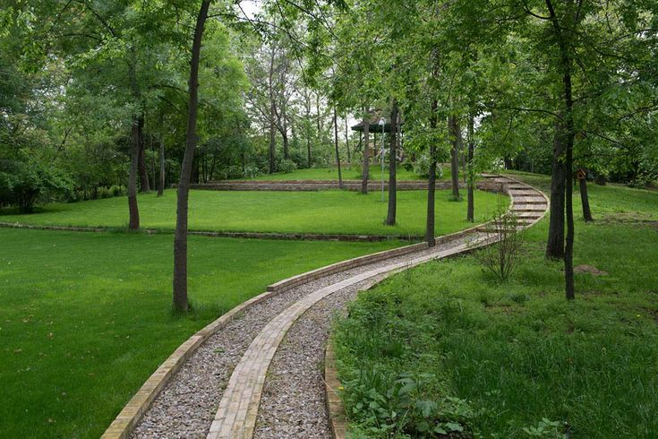 Trimmed with British lawn and stone alleys, the park is ideal for hosting open air events, concerts or theater plays.