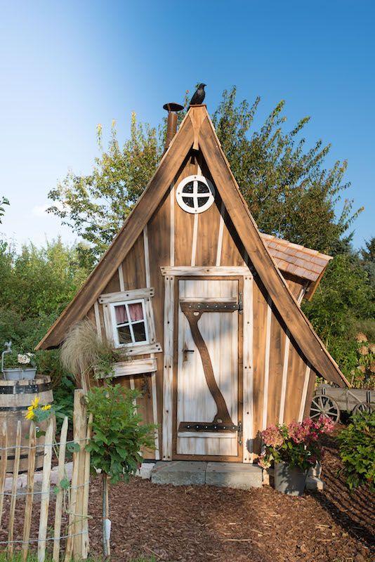 hexenhaus lieblingsplatz unsere g rten ob schrebergarten bauerngarten vorgarten oder. Black Bedroom Furniture Sets. Home Design Ideas