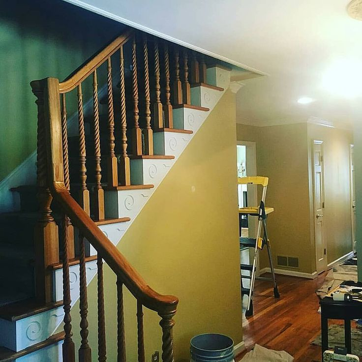 #painting #paint #painter #homedesign #homebuilder #thisoldhouse #stairwaytoheaven #stairs #trim #customtrim #design #designer #homebuilder #builder #build #construction #carpenter #carpentry #staircase #railings #contractorlife