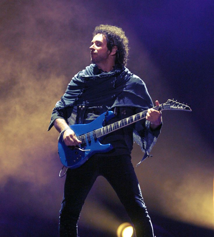 GUSTAVO CERATI / SODA STEREO : Photo