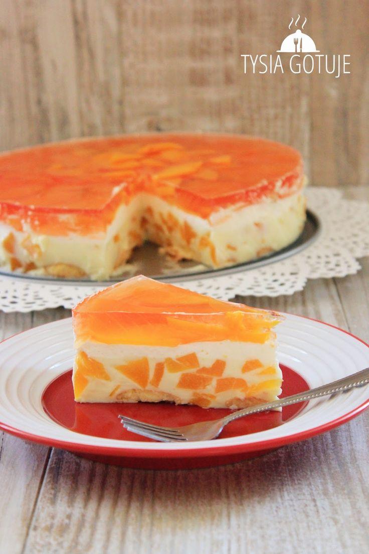 Brzoskwiniowiec to nadzwyczaj lekkie i słoneczne ciasto. Piękne kolory, orzeźwiający smak i łatwość wykonania to tylko niektóre jego zalet...