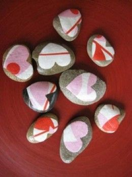 PRETTY V. DAY STONES...YOU CAN ALSO USE STENCILS AND SPRAY PAINT TO CREATE YOUR DESIGNS