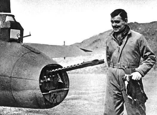 Clark Gable with an 8th AF Boeing B-17 Flying Fortress in Britain (1943).
